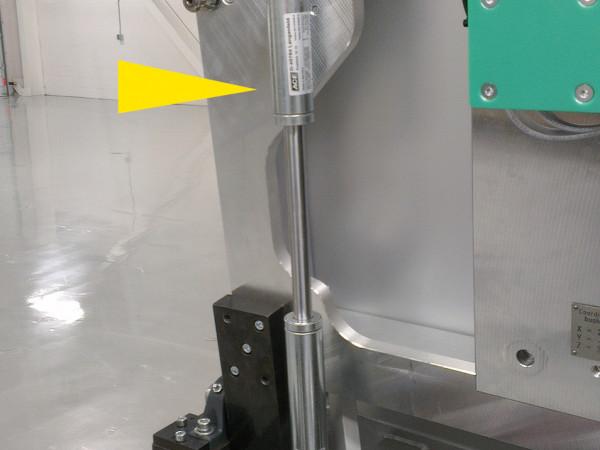 GST28-40应用于很重的盖板提升